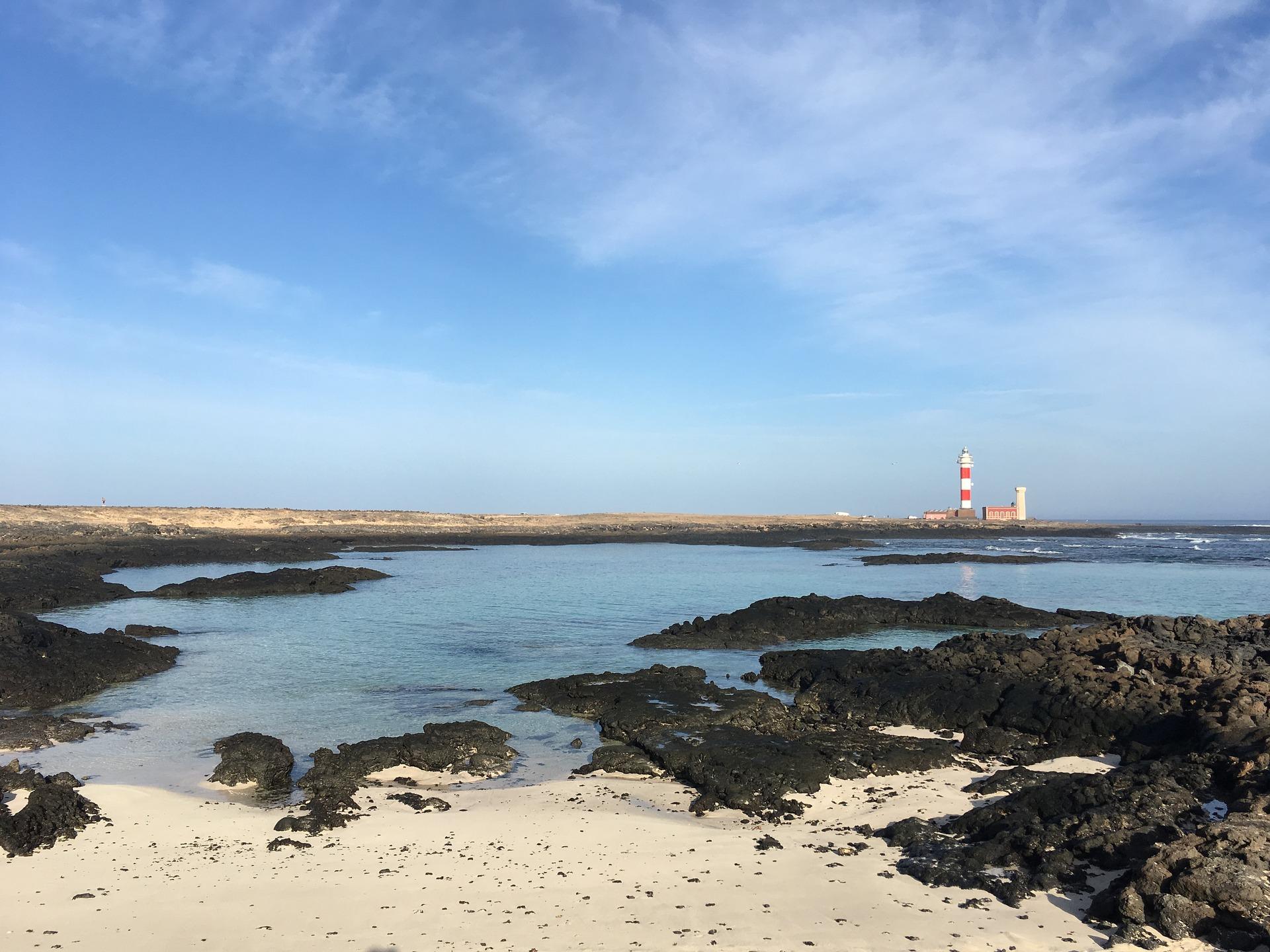 lighthouse-2929766_1920