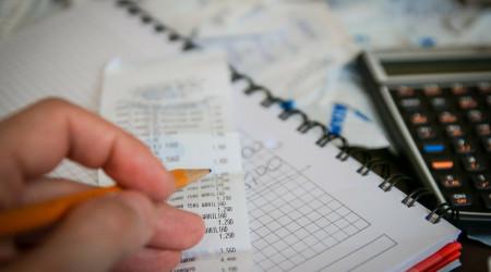 Deducir gastos previos inicio actividad autónomo o empresa